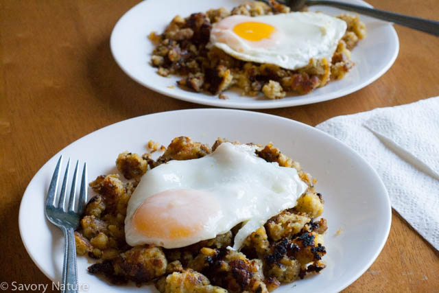 Pan-fried Stuffing with Fried Eggs